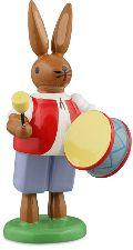 Osterhasenmusikant mit großer Trommel